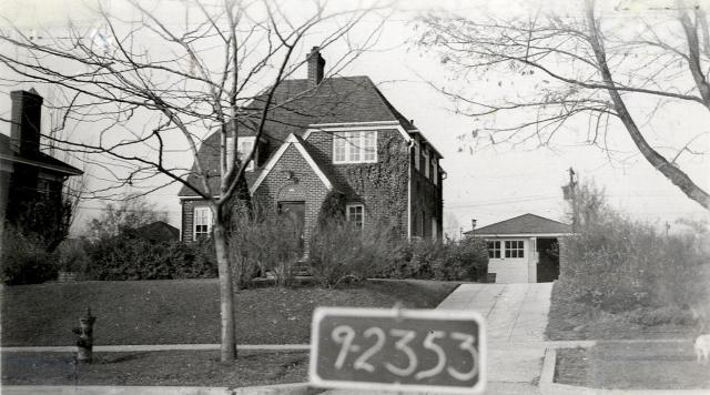 1547 Yale Avenue, circa 1937.  Tax Appraisal Cards, 10-1795; 16-09-328-006.