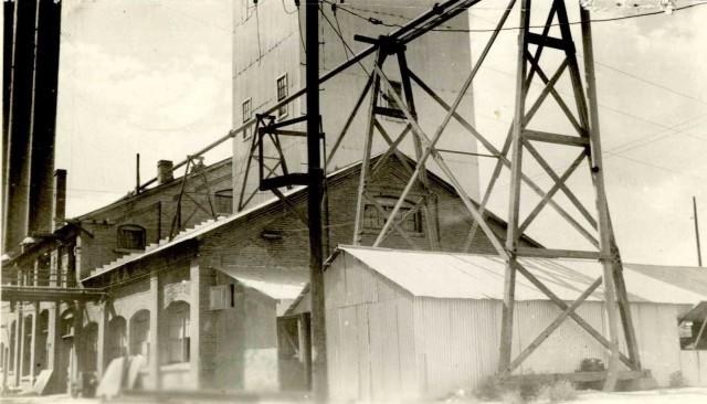 photoshopUtah-Idaho Sugar Co 1780 W 8000 So 21-34-151-008 ca 1938 2003